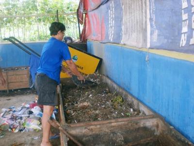 Kompos matang dapat pula dijadikan sebagai aktivator.