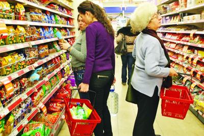 cumparaturi-in-hipermarket