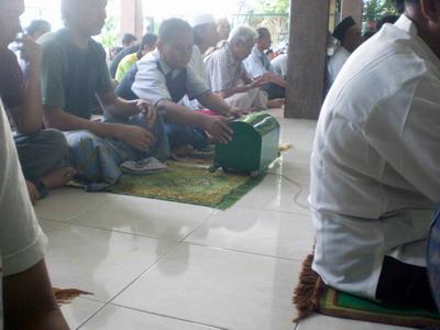 keranda sedekah masjid ashsaffaat (1)