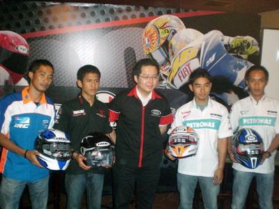 Henry Tedjakusuma, Direktur Pemasaran TKI dan para pembalap Indonesia.