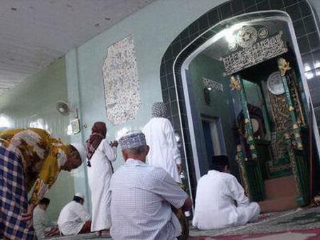 masjidtuamanado1