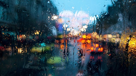 rain-on-glass-wallpapers_41119_1366x768