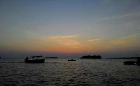 Sunset di Pulau Bira, Kepulauan Seribu.